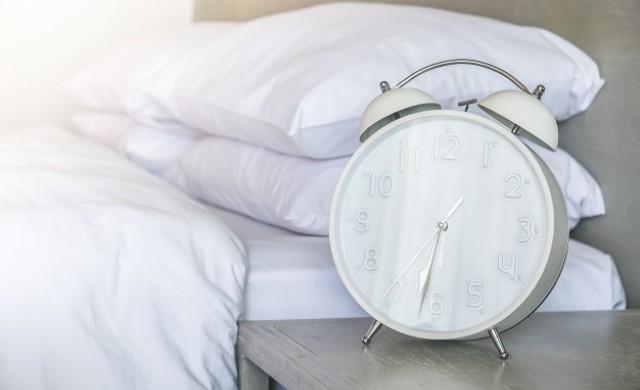 Защо с напредване на възрастта спим по-малко