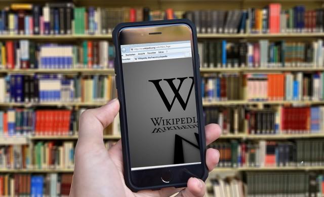 Как съоснователят на Wikipedia ще се бори с фалшивите новини?