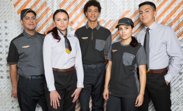 Новите униформи на служителите на McDonald's разбуниха духовете
