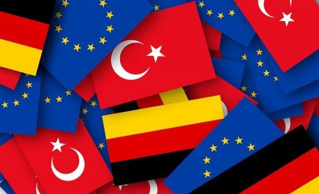 Турски дипломати и чиновници бягат в Германия със семействата си