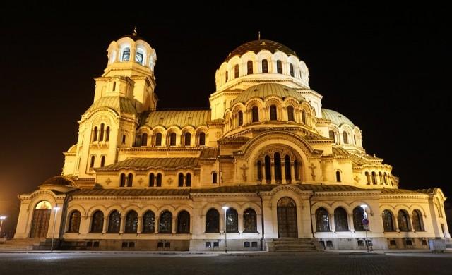 Тази вечер пускат нощния градски транспорт в София