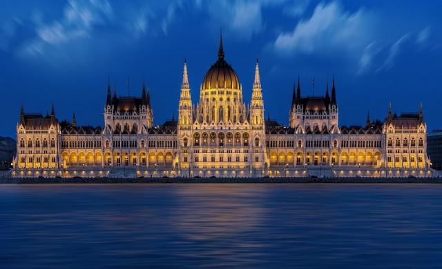 Виктор Орбан спечели убедително изборите в Унгария
