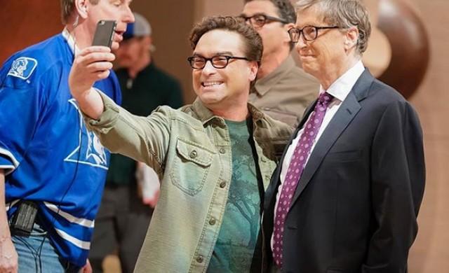 Бил Гейтс се снима в Теория на големия взрив