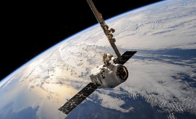 Луксозно пътуване в космоса, но на каква цена?