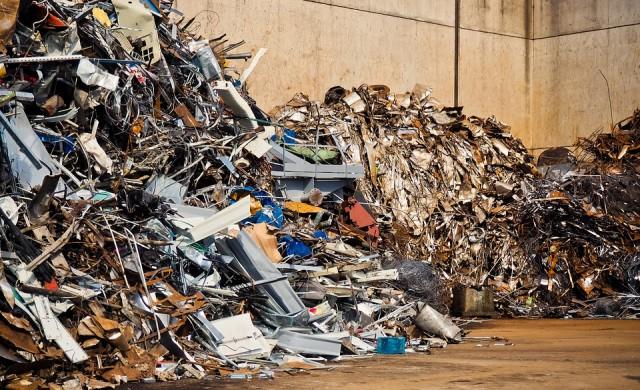 Как решение в Китай предизвика криза с боклука в Англия
