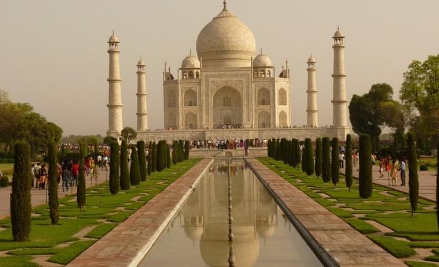 Приватизира ли Индия исторически обекти като Тадж Махал?