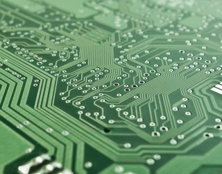 Производител на чипове стресна технологичния сектор