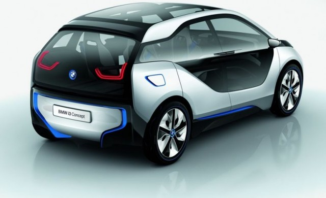 Бюджетният електромобил BMW i2 ще ви струва под 30 000 евро