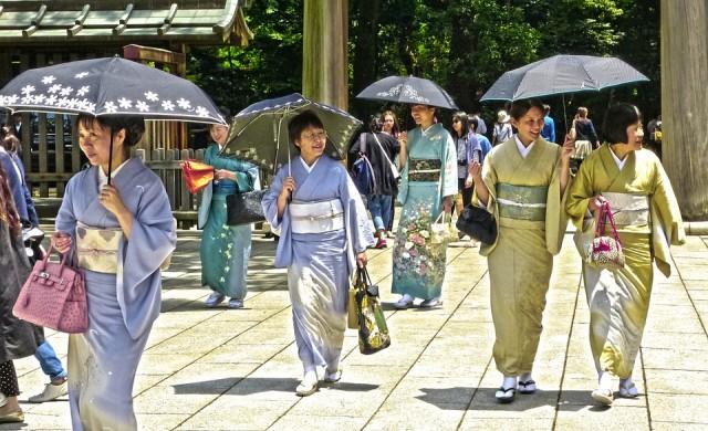 В Япония недоволни от 10-те почивни дни заради новия император