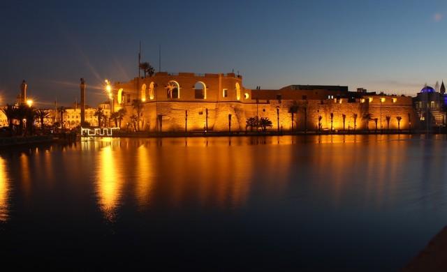 Напрежението в Либия оскъпи петрола до петмесечен връх