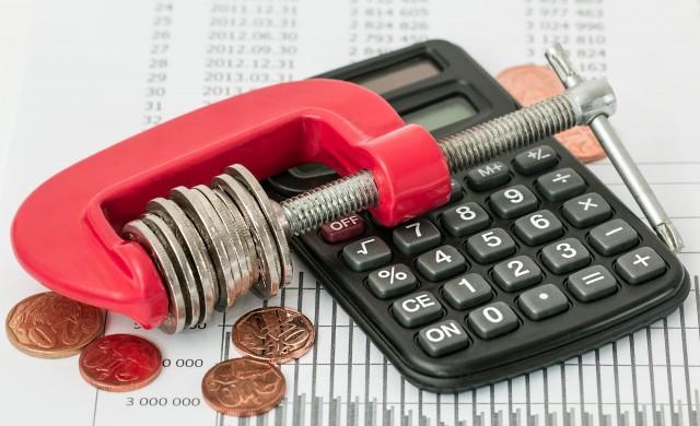 Как да изчислим съотношението между задълженията и доходите?