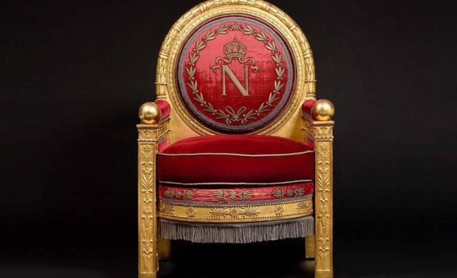 Някой си купи трона на Наполеон Бонапарт за 500 000 долара