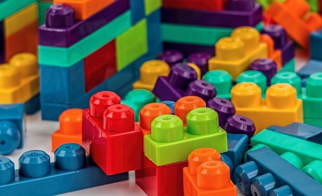 Трябва ли да се откажем от пластмасовите играчки?