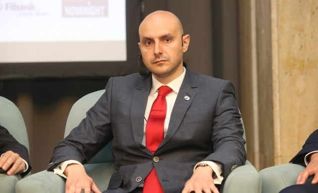 Цонев: Няма сигурна инвестиция на фона на нулевите лихви по света