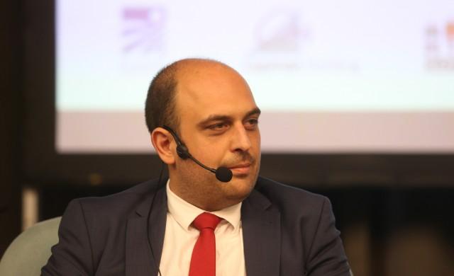 А. Георгиев: Без умения за оцеляване в дигитална среда е трудно