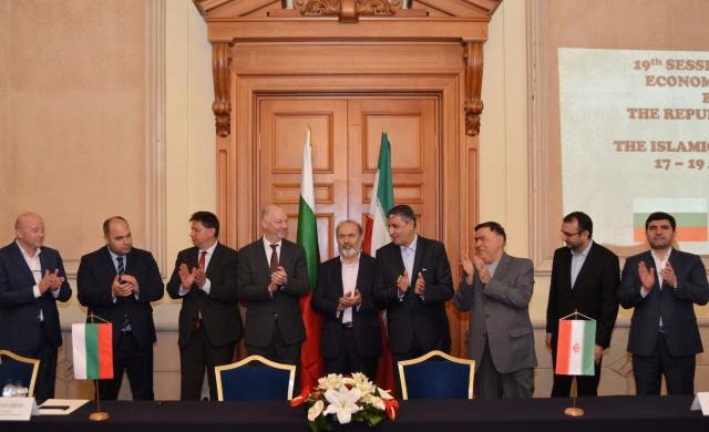 България и Иран обмислят директна авиолиния между двете страни