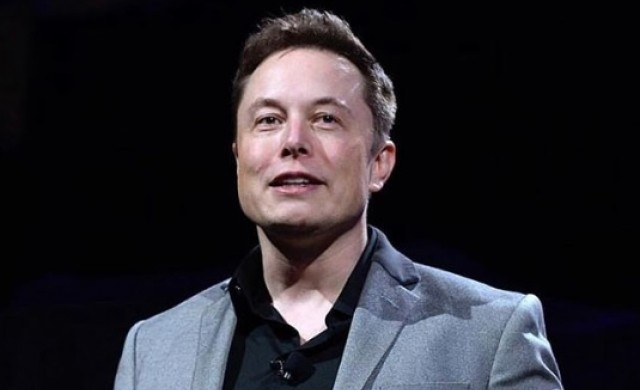 Мъск: Tesla пуска автономни роботаксита догодина