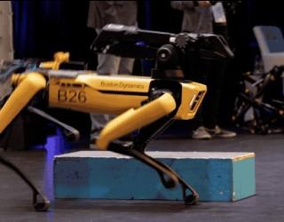 Boston Dynamics показа първия си комерсиален робот