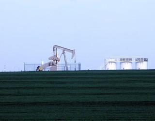 Петролът поскъпна до петмесечен връх