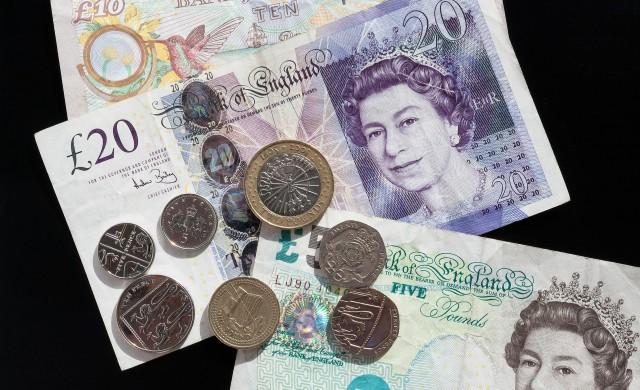 Британските банки няма да раздават дивиденти, докато трае кризата