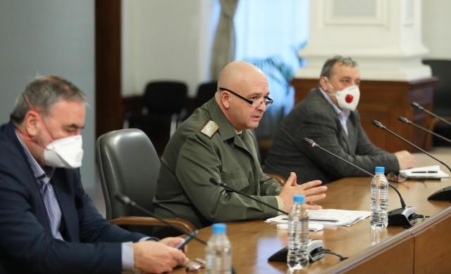 Случаите на COVID-19 в България вече са 477