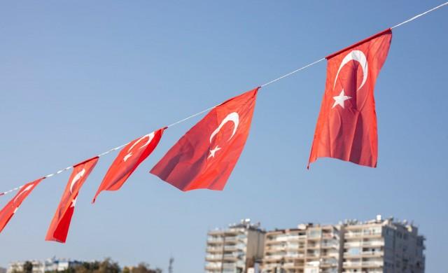 Потвърдените заразени с COVID-19 в Турция са вече близо 24 000