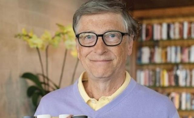 Гейтс: Пандемията е кошмар, но очаквам по-малко смъртни случаи