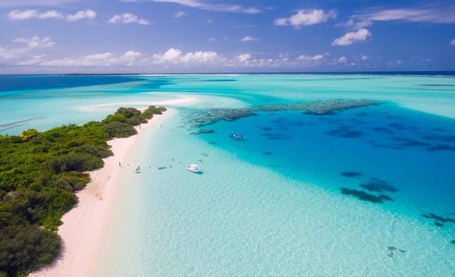 Райски изоставен остров на Малдивите приютява хора под карантина