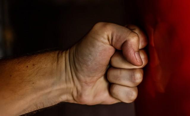 """Шефът на ООН заклейми """"ужасяващия скок в домашното насилие"""""""