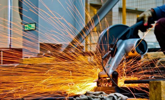 Промишленото производство с ръст от над 1% през февруари