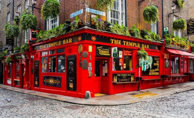 Ирландия се готви за поетапно облекчаване на карантината