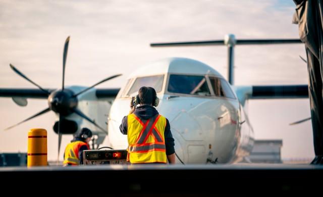 Къде се намират всички неизползвани самолети в момента?
