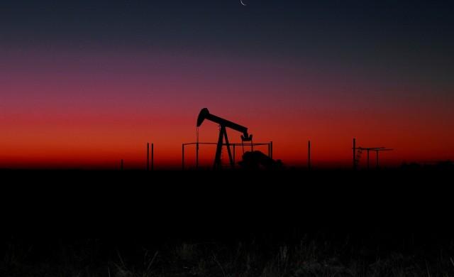 Защо цената на петрола стана отрицателна?