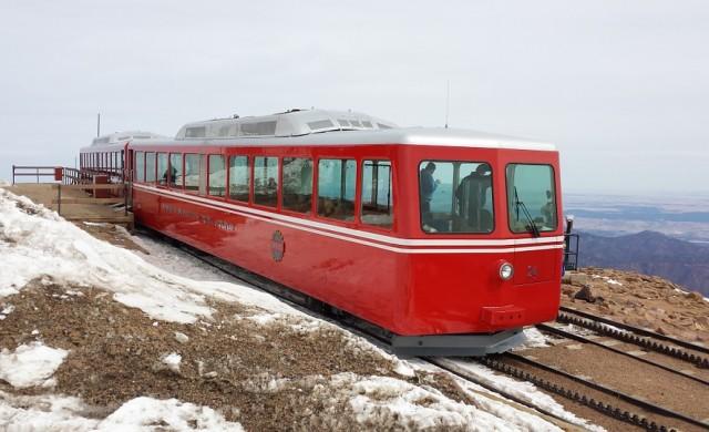 Най-високата железопътна линия в света отваря след ремонт за $100 млн.