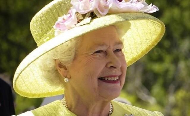 Кралица Елизабет Втора се върна към официалните си задължения