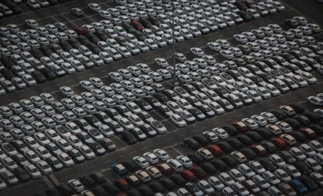 Продажбите на нови автомобили в Европа нарастват с 63% през март