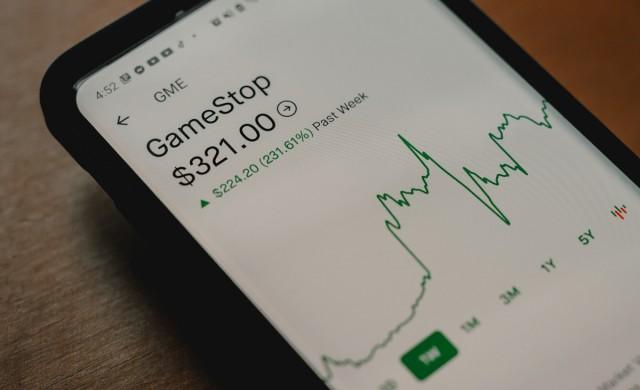 Robinhood и Coinbase са най-популярните приложения в App Store