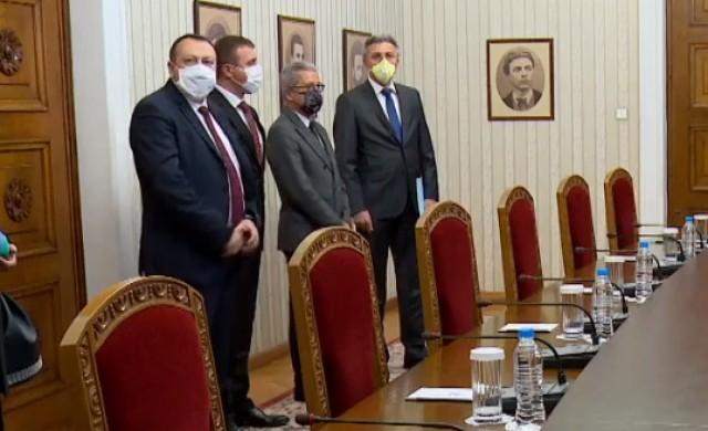 ДПС готово да подкрепи кабинет на трите нови политически сили в НС
