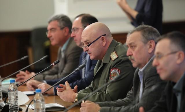 Ангелов предлага парламентът да избере нови членове на НОЩ до утре