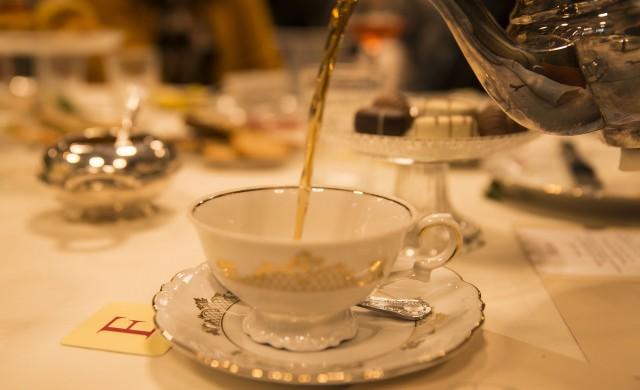 Как се пие чай в различните части на света?