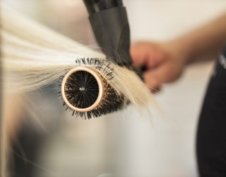 Amazon отваря фризьорски салон
