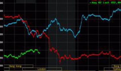 Рязък спад на петрола, при златото тенденциите се влошиха