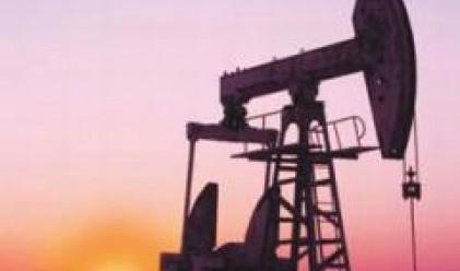 Петролът с нов рекорд вчера - близо до 123 долара за барел