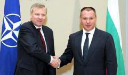 Схефер благодари на България за участието й в мисиите на НАТО