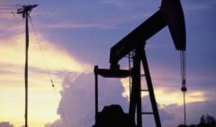 Петролът със загуба от над 3 долара по време на вчерашната си търговия