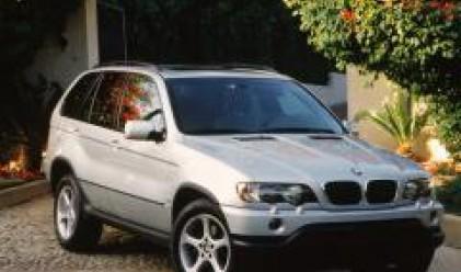 BMW поставя соларни панели на автомобилите си