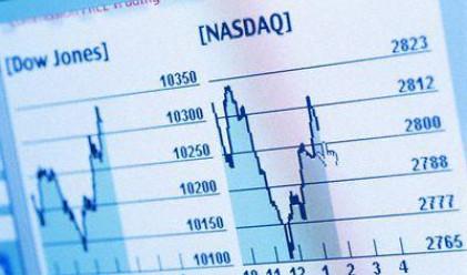 Срив на щатските пазари, еврото под 1.30