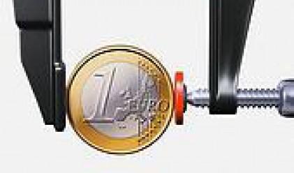 Крехкото икономическо състояние на зоната натежа на еврото