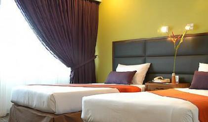 Банка купи лукс хотел в Албания