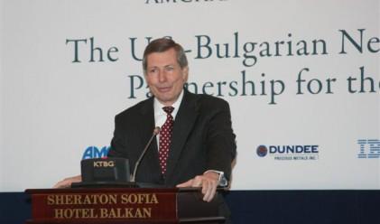 Уорлик: Притеснително е, че не е ясна собствеността на КТБ